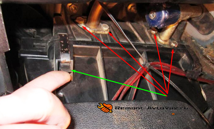 Патрубки радиатора отопителя