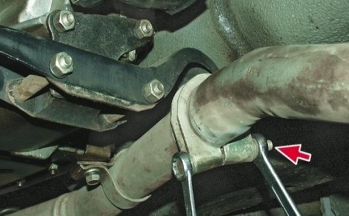Демонтаж выхлопной системы Ваз-2105
