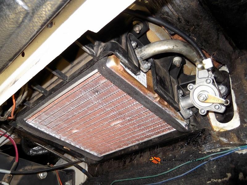 Промывка радиатора печки автомобиля ВАЗ-2106