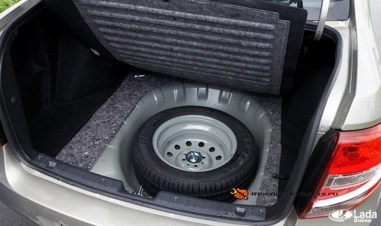 снятия обшивки багажника Лады Гранта лифтбек