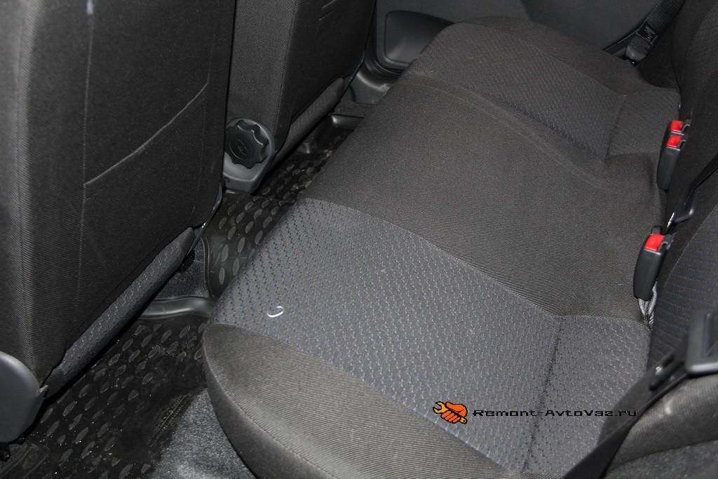 Обзор заднего сиденья. Регулировка