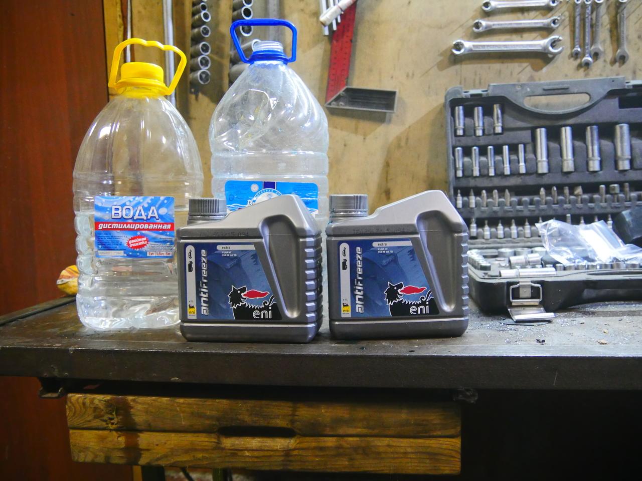 Лада Гранта используем дистиллированную воду
