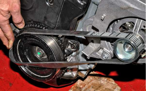 Замена ролика ремня генератора на Лада Гранта 21