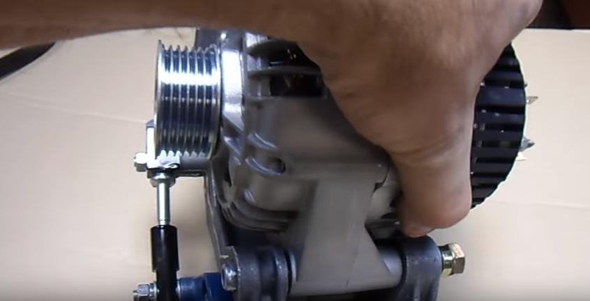 Замена ролика ремня генератора на Лада Гранта 8