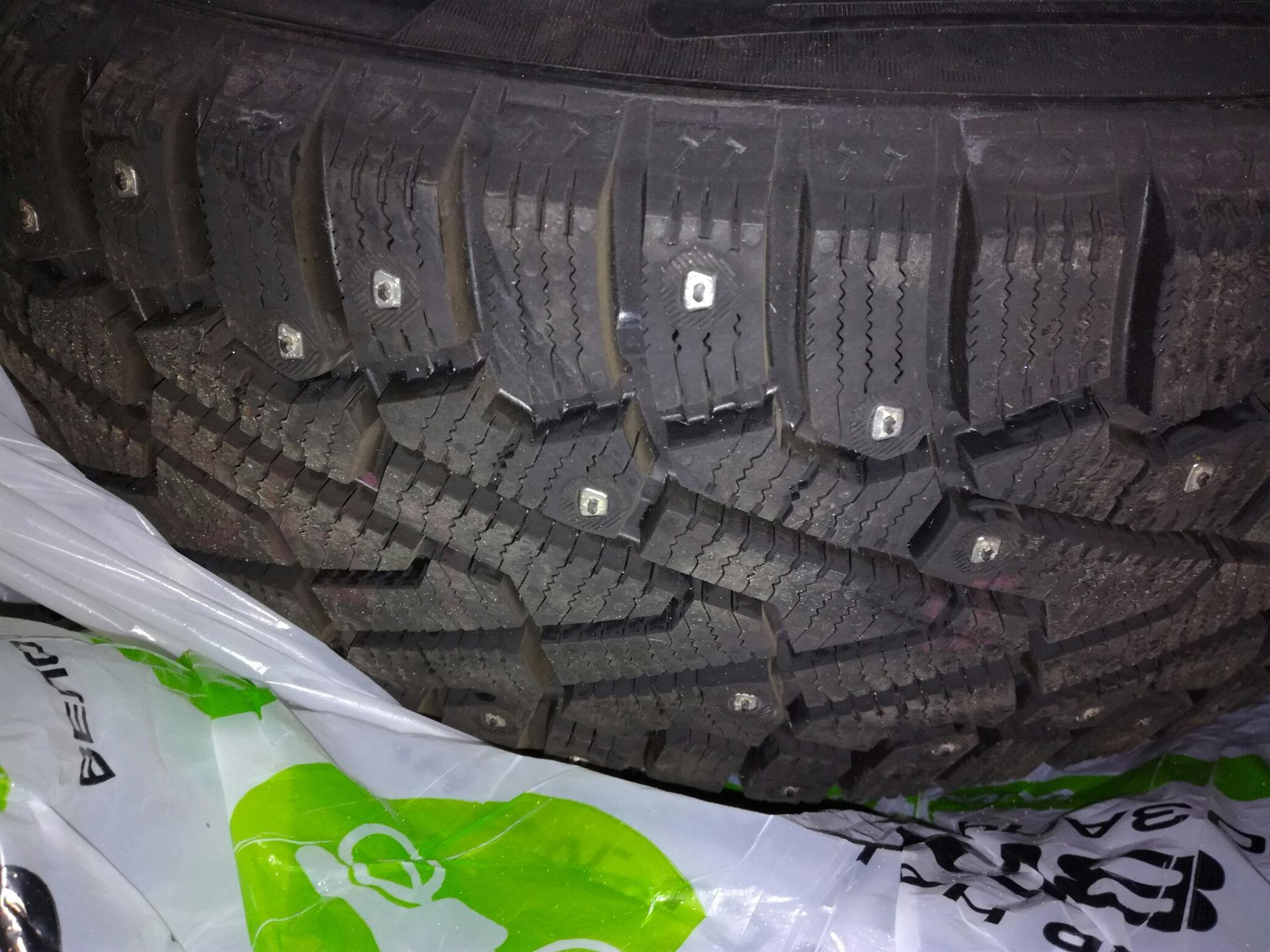 Зимние шины 215/60 R16