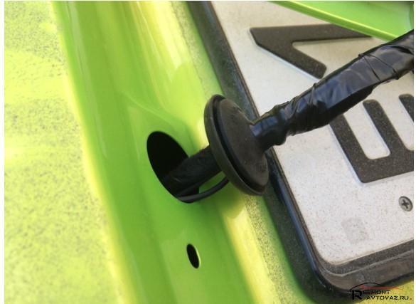 кнопка багажника на весте